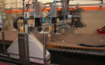 CNC plasma and oxyacetylene cutting machine